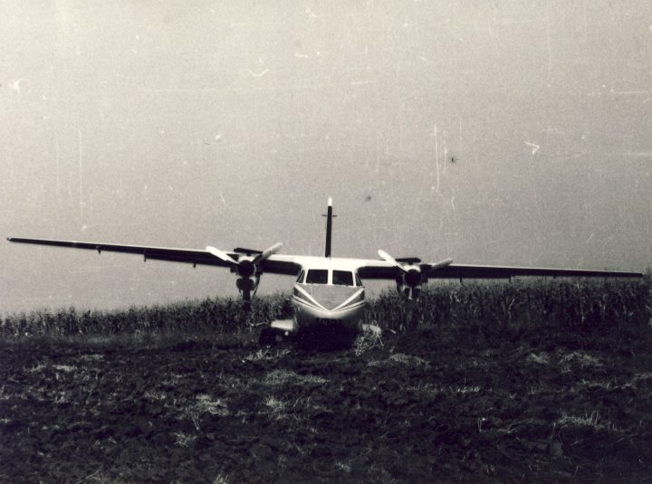 Letoun OK-IYA po vynuceném pristání v Gornaja Orjachovica