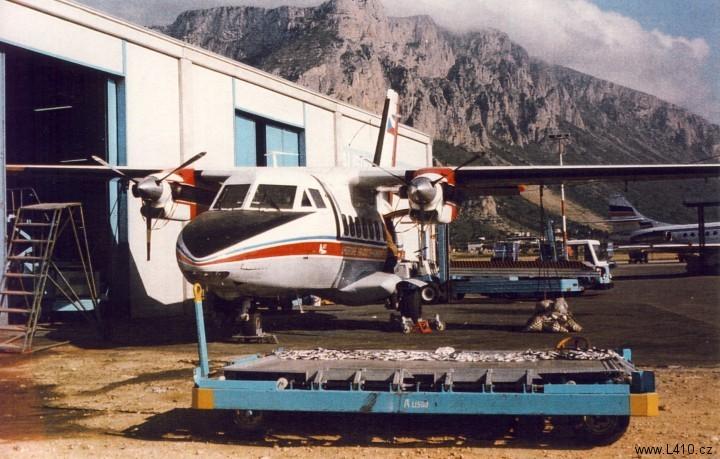 Oprava zlomeného křídla na letišti Palermo