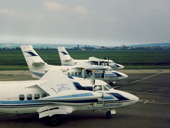 Letouny L-410 Lusiany po převzetí společností Bemoair na odbavovací ploše  kunovického letiště, foto A. Orlita